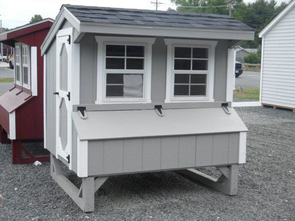 Q46 chicken coop quaker 4' x 6' gray