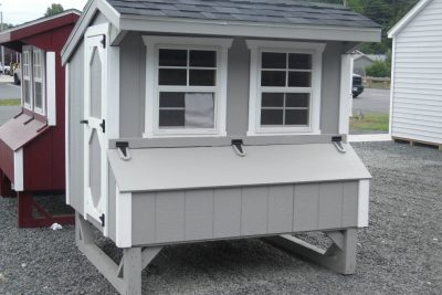 Q46 chicken coop quaker 4' x 6' gray