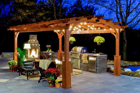 12x17 wooden curved pergola