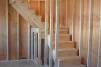 shed or garage full staircase 457x457