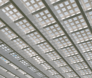 vinyl traditional pergola lattice roof 301x300